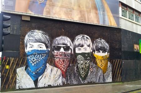 backpack budget travel london street art
