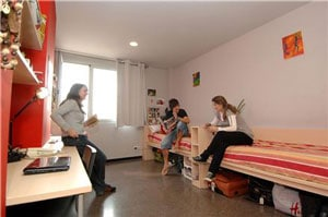 How to Meet People and Have Fun in Hostels